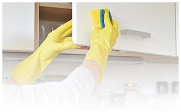 Sprzątanie szafek