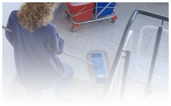 Sprzątanie klatek schodowych